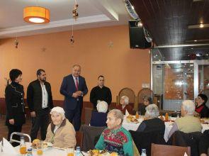 Областният управител поздрави още двама млади дарители на Дома за стари хора