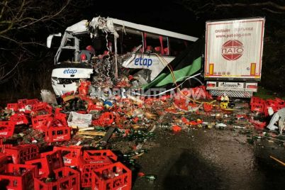 991-ratio-katastrofa-kamion-avtobus-kozarevec.jpg