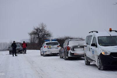 API-kola-patrulka-politsiya-zima-snyag.jpg