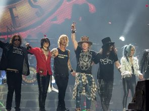 Guns N`Roses тръгват на турне през 2021 г.