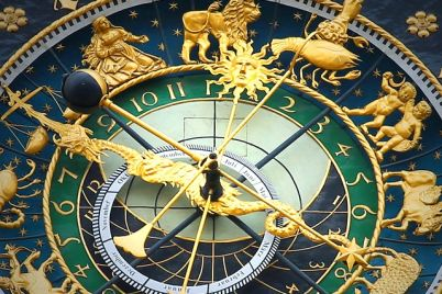 astronomical-clock-408306_640.jpg