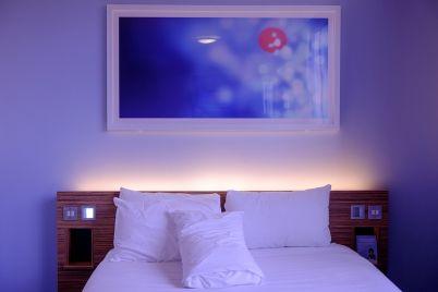 bedroom-1285156_960_720.jpg