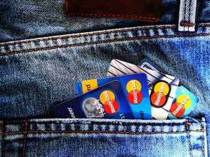 Гърция вдигна таксите за теглене от банкомат