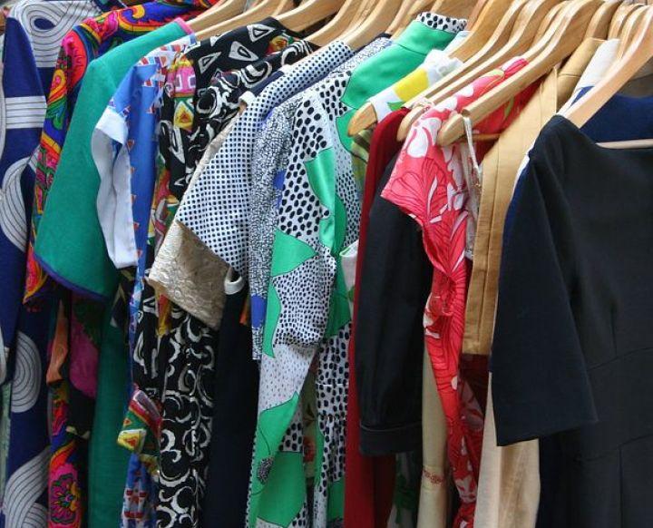 dresses-53319__480.jpg