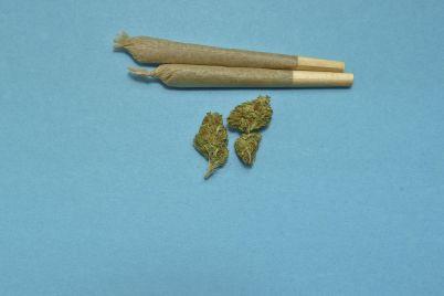 marijuana-2248066_1280.jpg