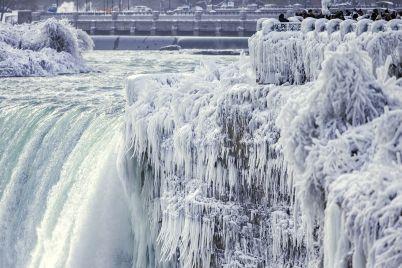 niagara-falls-frozen.jpg