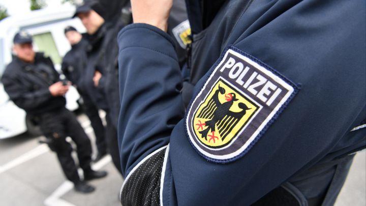 schwabach-limbach-jugendliche-pruegeln-polizisten-dienstunfaehig.jpg