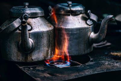 teapots-1858601_1920.jpg