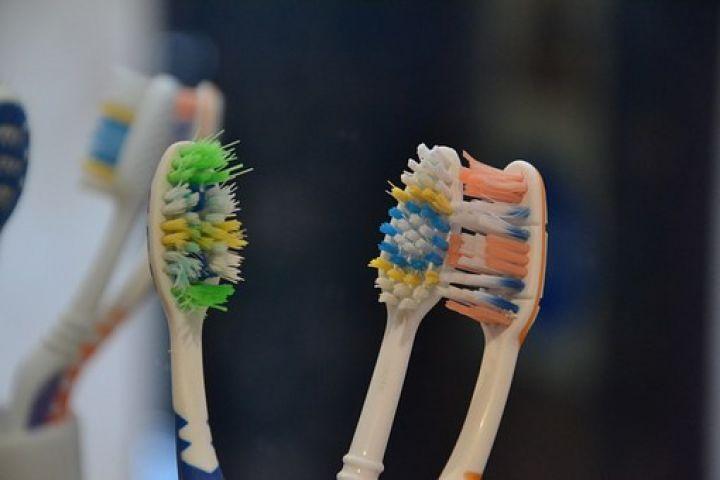 toothbrush-313768__340.jpg