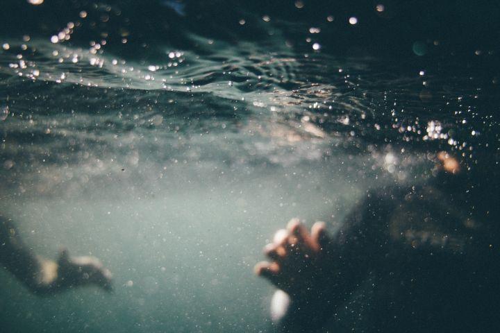 underwater-1150045_1920.jpg