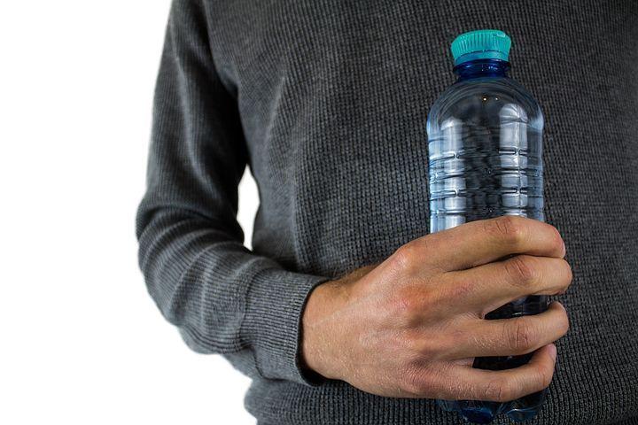 water-bottle-2821977__480.jpg