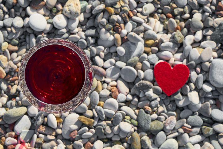 wine-heart-love.jpg
